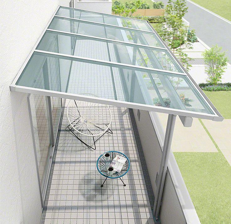 LIXILのバルコニー・ベランダ屋根「スピーネ F型 屋根タイプ 単体」の商品詳細ページです。【2015年10月1日新発売】 LIXILの新テラス屋根スピーネ。斜めなどの加工も対応が可能なシンプルスタイル。広い地域に対応ができる積雪〜20cmタイプです。雨や雪の・・・。