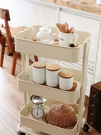 【キッチンワゴン】 シンプルだけど使い勝手の良い、RÅSKOGワゴンを使ってカフェ気分♪ナチュラルアイテムとも好相性です。