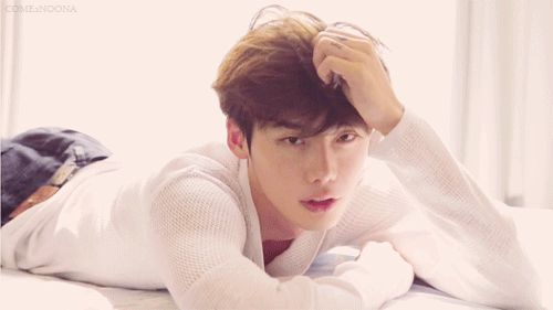 Lee Jong Suk (Dramafever: 15 photo shoot gifs of Korean celebrity sexiness)