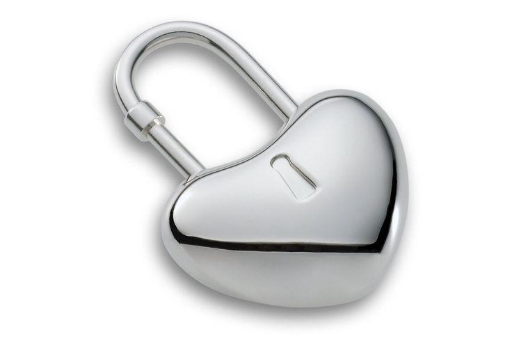 Luxusní klíčenka Philippi Corazon ve tvaru srdce. Skvělý dárek pro dámy na sv. Valentýna!
