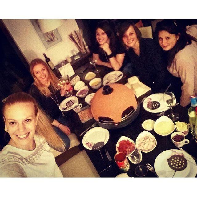 sovielliebe,friendshipgoals,bestgirls,pizzadom