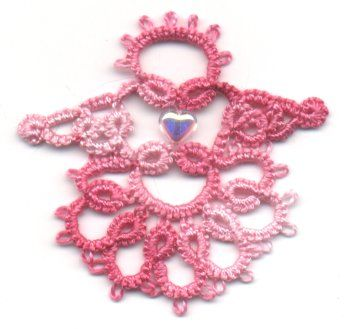 Presenting the Developement of a Pattern by Our Online Tatting Classmate, Carolyn Groves
