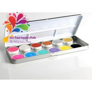 Great tester or compact kit. Tin includes 5g of each colour - #67,#102,#109, #57, #116, #56, #61, #37, #105 , #58, #23, #65 These cakes are a creamier brand of paint that provide vibrant colours with great coverage and seamless blending.