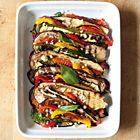 Gegrilde aubergine met geroosterde paprika en tomaat - recept - okoko recepten