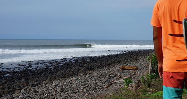 El Salvador Surf - http://mtnweekly.com/travel/surfers-take-note-international-airfare-prices-are-at-an-all-time-low
