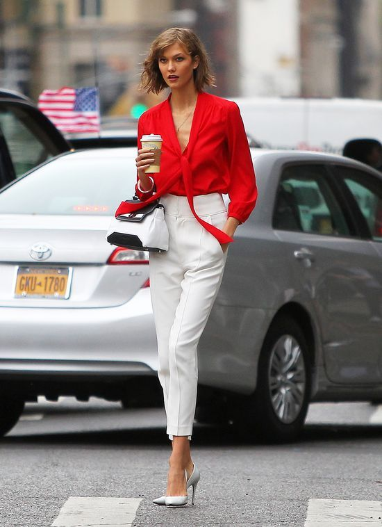 #Coffee anyone? #KarlieKloss #StreetStyle College interview outfit?