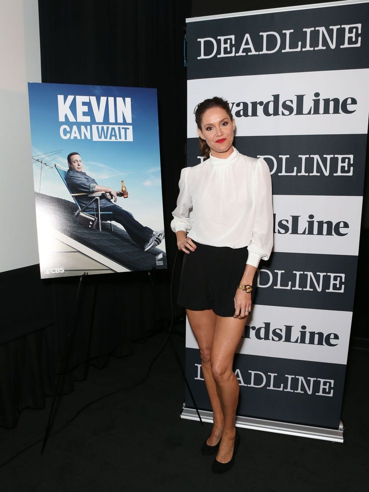 "Erinn Hayes - ""Kevin Can Wait"" Awardsline Emmy Screenings in LA – 04/19/2017   Celebrity Uncensored! Read more: http://celxxx.com/2017/04/erinn-hayes-kevin-can-wait-awardsline-emmy-screenings-in-la-04192017/"