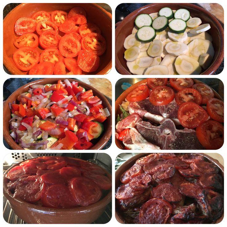 Lam-groenten ovenschotel Tomaat; pastinaak; courgette; paprika en rode ui (eerst even kort aangezet); rozemarijn; lam karbonade (zout en peper); tomaat-puree (70 gr, 1 deel puree en 2 delen water) olijfolie 50 min in oven, 180graden
