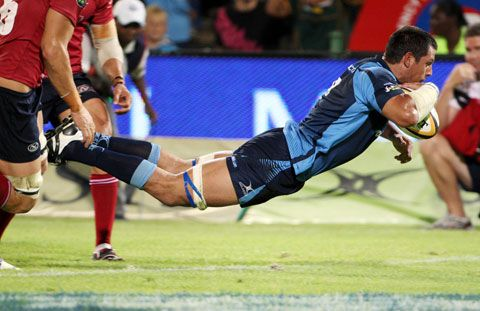 Pierre Spies going horizontal for a try.