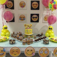 Ideas, decoración y manualidades para fiestas: Decora tu fiesta de emoji