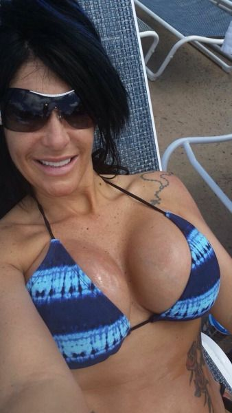 Mature milf nude selfies
