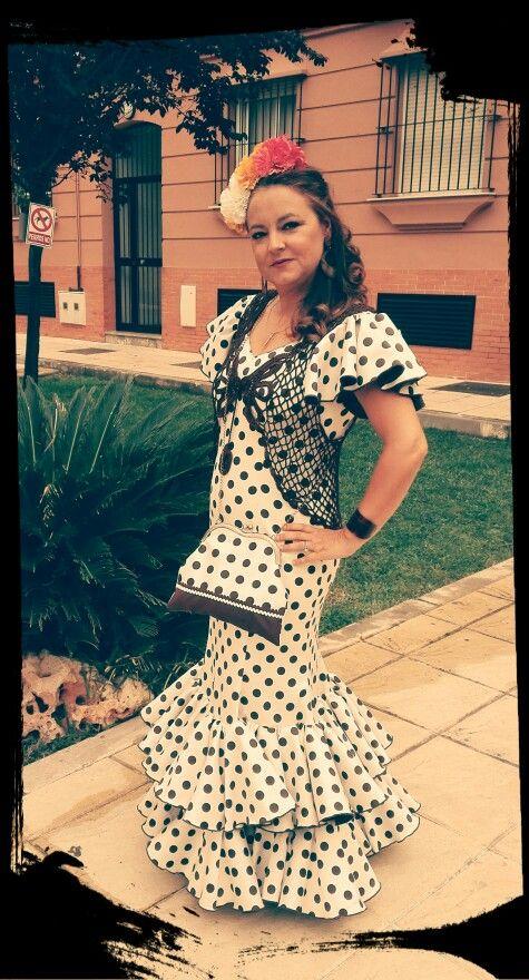 Traje de flamenca y chalequillo. Pilar Cruz.