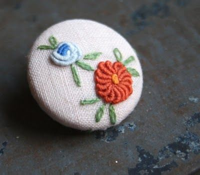Embroidered Button Tutorial: Thursday 24 Easy, Crafts Ideas, Adventure, No Sewing Embroidered, Embroidered Buttons, Buttons Tutorials, Vintage Linens, 24 Easy No Sewing, Art Thursday