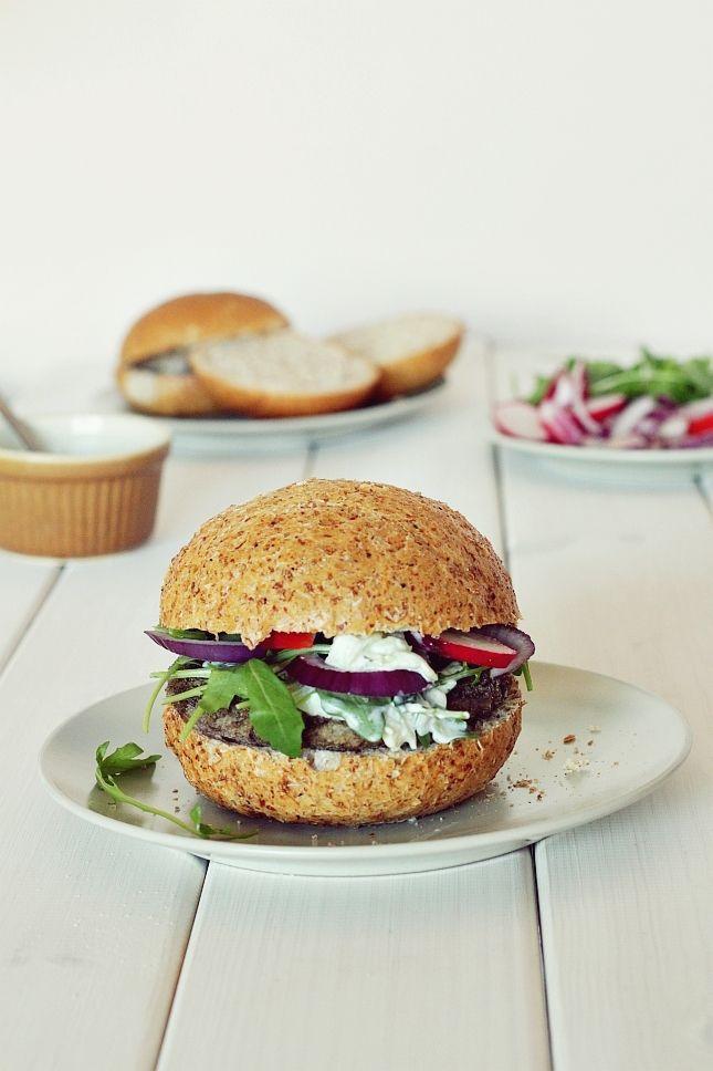Wegetariańskie burgery - 4 przepisy