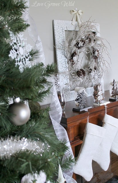 187 best Christmas in SILVER! images on Pinterest : Silver ...