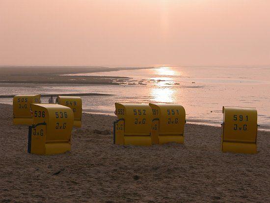 Sand zum Buddeln, Burgen bauen oder einfach nur, um ihn unter den nackten Füßen zu spüren, gibt es in Cuxhaven reichlich.