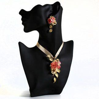 Колье на ленте для невесты персиковые розовые пионы золотоые и айвори листья.