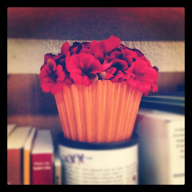 a flower cupcake