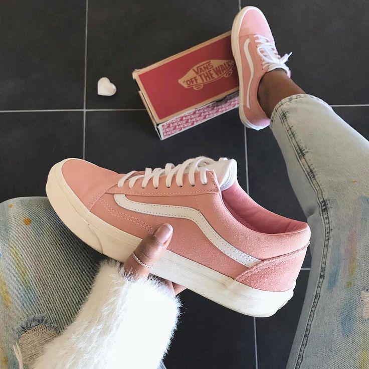 Vans Old Skool Blossom Pink, ein super Sneaker für den Sommer für Frauen. Foto: https://www.instagram.com/miiya._/