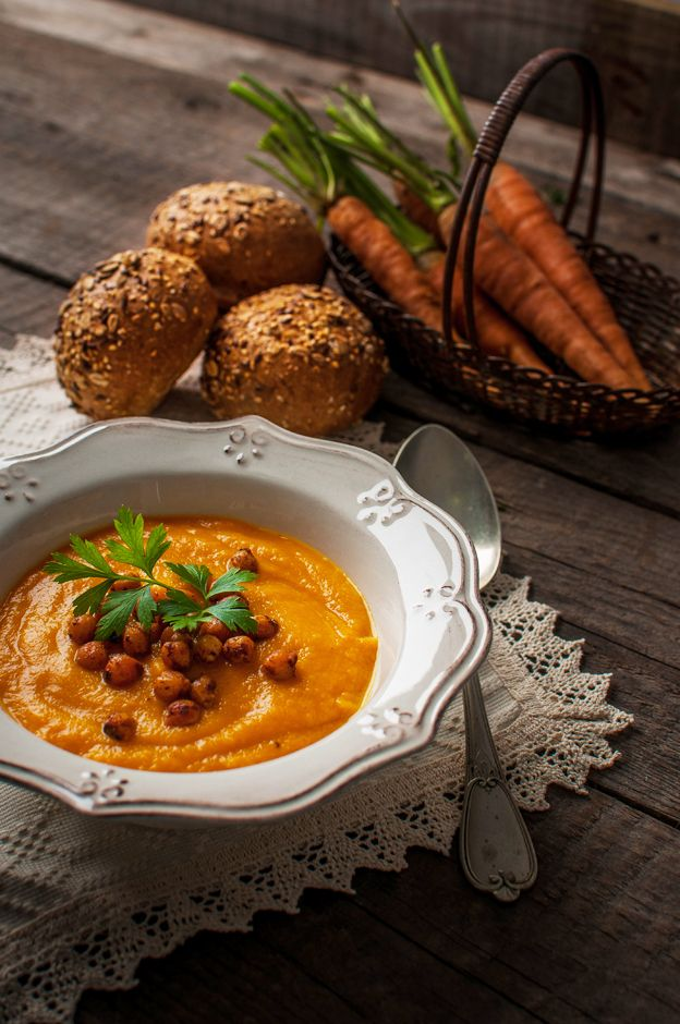 Carrot – Ginger Soup with chickpea croutons