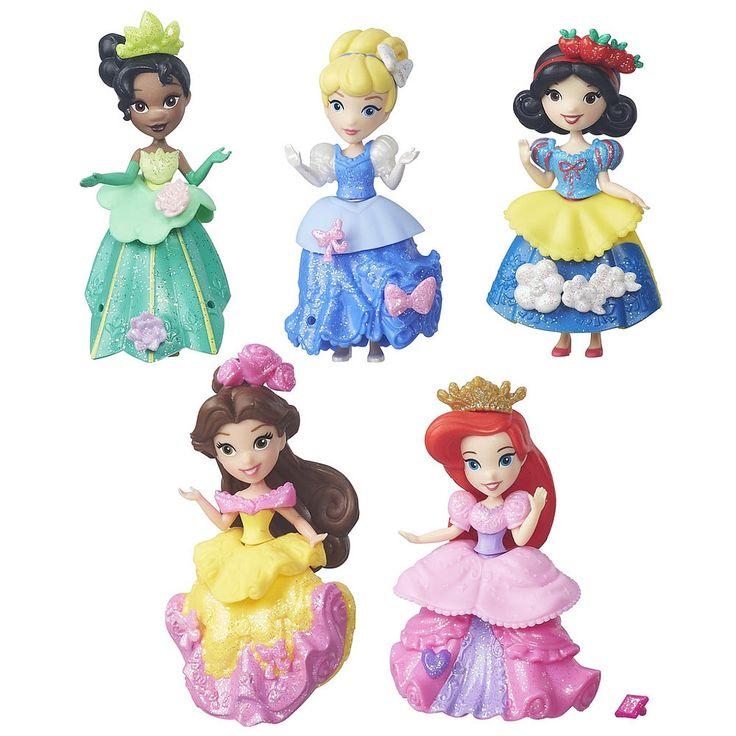 Des rêves resplendissants attendent les enfants avec la collection Splendeur royale, composée de 5 princesses Disney vêtues de robes de bal étincelantes! Cendrillon, Tiana, Blanche-Neige, Belle et Ariel sont toutes offertes avec un corsage, une basque et une jupe. <br>Le plaisir ne s'arrête pas là : les enfants pourront créer les tenues des poupées et les décorer avec les décos incluses. Ils peuvent même s'amuser à mélanger et à combiner les décos et tenues (vendues séparément) de leurs…