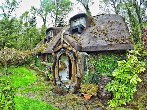 25 best ideas about hobbit houses on pinterest hobbit