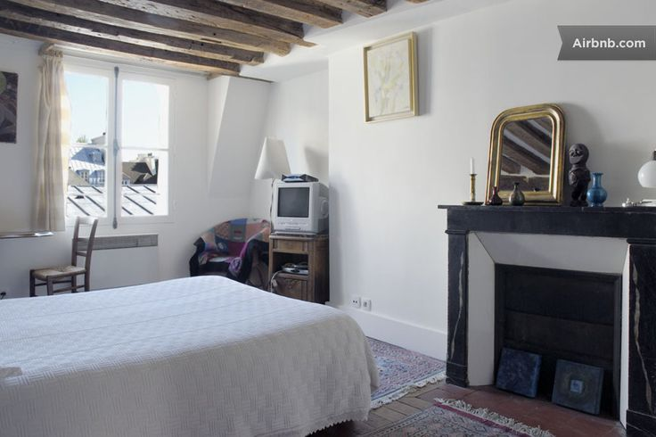 Nest in Paris-Le Marais in Paris