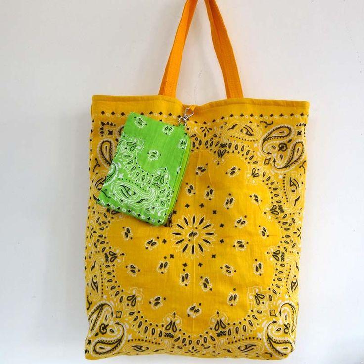 Sac cabas en coton jaune d'or dessin bandana , doublé coton safran uni . shopping bag : Autres sacs par akka-accessoires