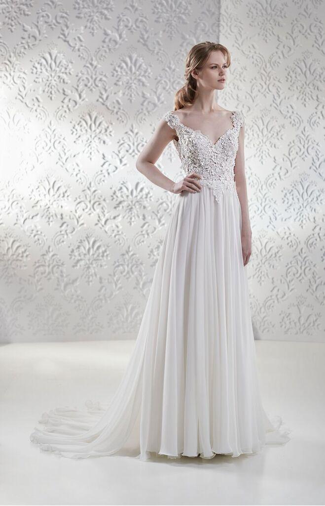 A Line V Neck Wedding Dress With Floral Detailing Maison Signore Style Giselle Wedding Dresses Kleinfeld Bridal A Line Wedding Dress