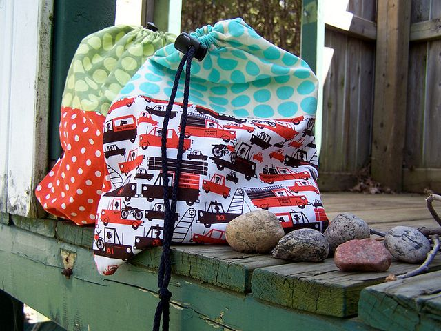 bleu vanille tutoriel sac coulisse couture facile pinterest sacs gar ons et sac. Black Bedroom Furniture Sets. Home Design Ideas