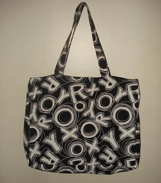 Feito por: Amanda Alves da Silva     The New Roxy Go Ahead Shoulder Bag