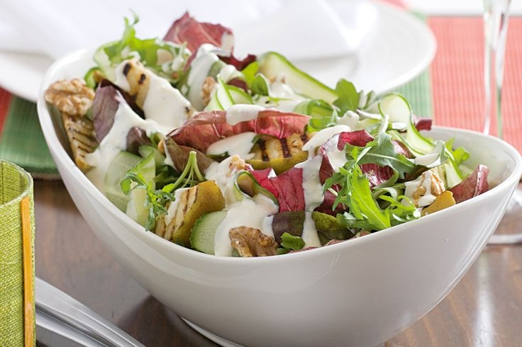 Chargrilled pear & walnut salad w/ blue cheese dressing.