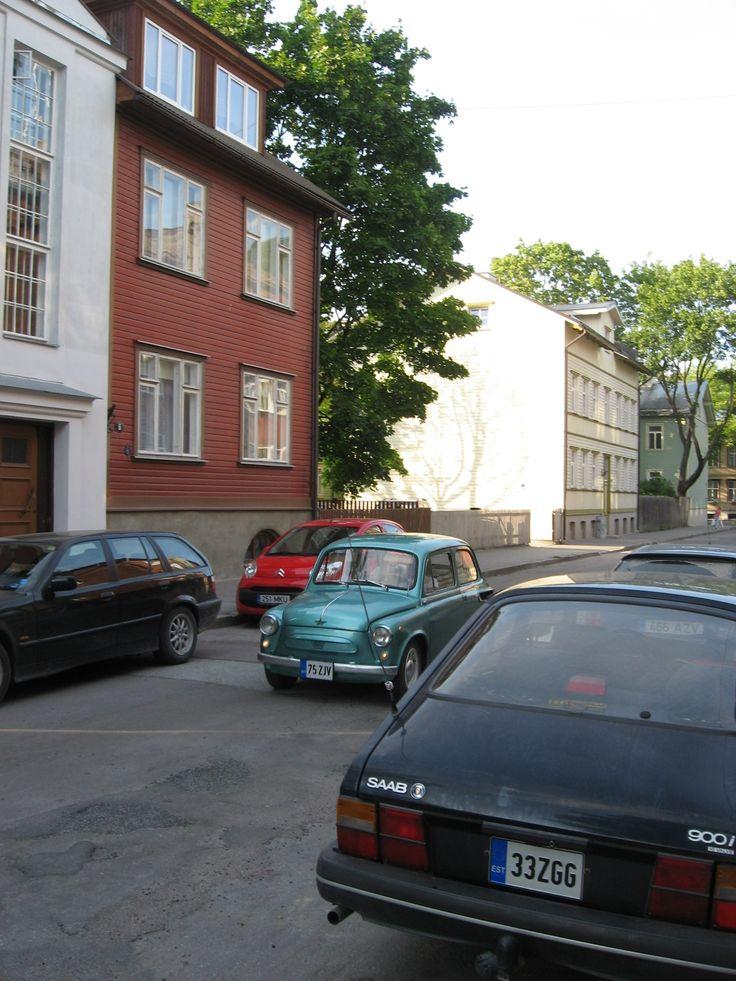 'Muhk' Zaporozhets and '89 Saab 900i 16v, Valgevase tn., Tallinn, August 2009.