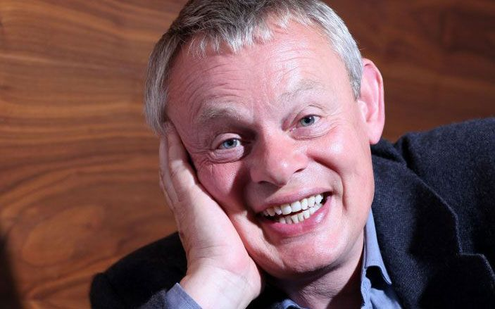 ARTICLE - My perfect weekend: Martin Clunes is about to star in the seventh series of Doc Martin - but always gets home in time for farming, horse monopoly and riding his Clydesdales