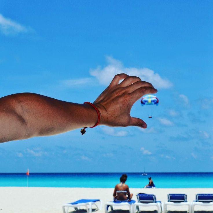 Handled parasailing #travel #parasailing #fun #watersports #cool #funnypic #watercolor #ocean #beach #relaxing #oceanview #skyline #horizon #sea #sky #parachute #picoftheday #instatravel #instagood #creative  #like #followme