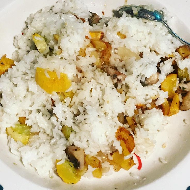 Rice and veggies. #jasmine #rice and sautéed #squash #onion and #mushrooms topped with a drizzle of #truffleoil #decadent #love #instagood #veggies #vegan #glutenfree #plantbased #eatclean #delicious #whatveganseat #crueltyfree #zinc #selenium #protein #healthy #Homemade #fresh #homecooked #dinner #recipe http://misstagram.com/ipost/1573548429840627251/?code=BXWXfW9hjYz
