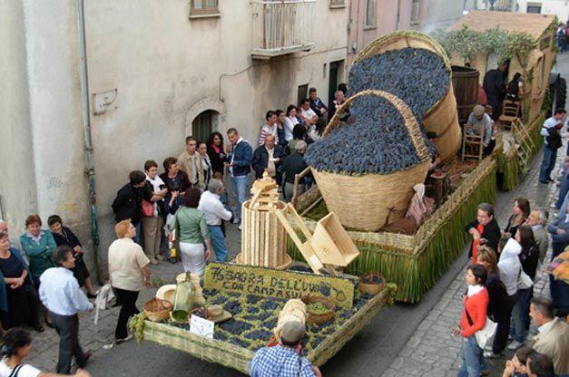 La tradizionale sagra dell'uva a Riccia | Molisiamo, province of campobasso , molise region Italy