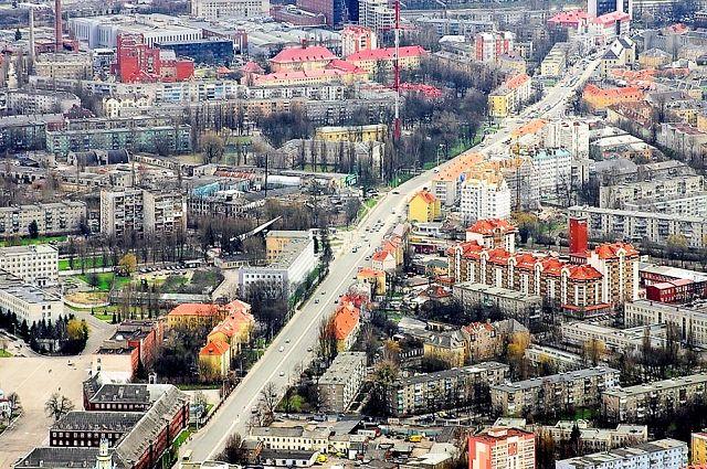 Калининград. Советский проспект, идущий в центр города. Аэрофотосъёмка апрель 2011 года.