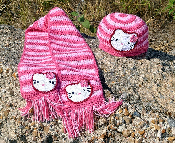 Striped kitty hat and scarf crochet fantasy under construction