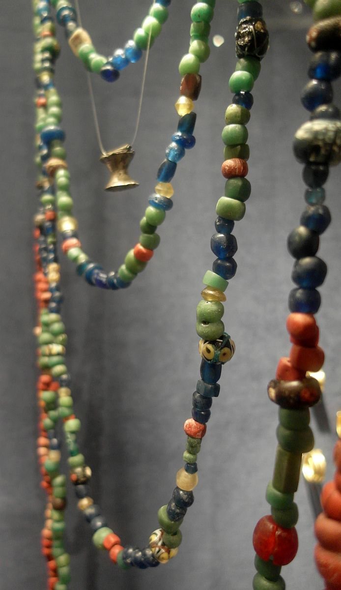 Glasperlen, vorrömische Eisenzeit, NO / Glass Beads, pre-Roman Iron Age, Norway