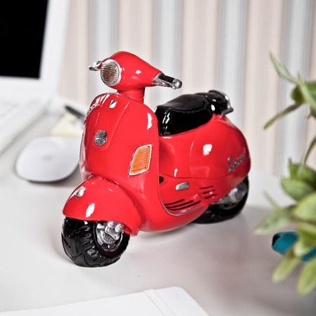 Dekoratif Kırmızı Motosiklet: Motors Scooters