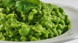 Mushy Peas are a great side dish with entrees such as fried cod or savory salmon, and sides like tater tots. Note: You can add more liquid (water or cream) depending how mushy you want your peas. Use low fat milk if you're calorie-conscious.