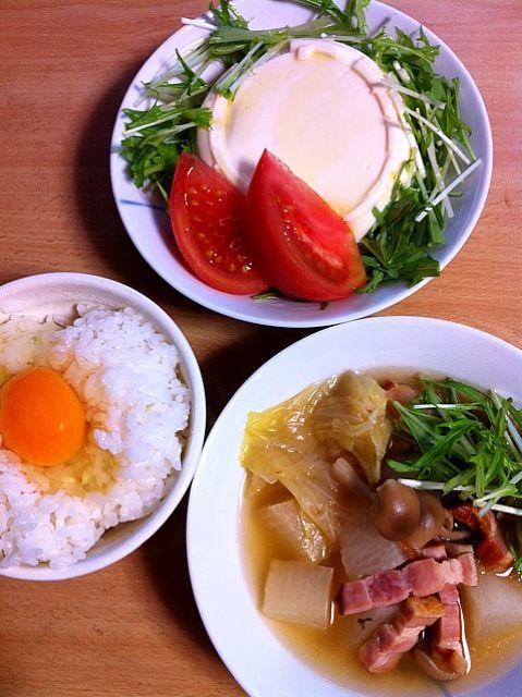 昨日のスープに大根、ベーコンを足して☆ビックなお豆腐のサラダと頂き物の新鮮卵でTKG♥ - 13件のもぐもぐ - 晩ごはーん by ayakichi