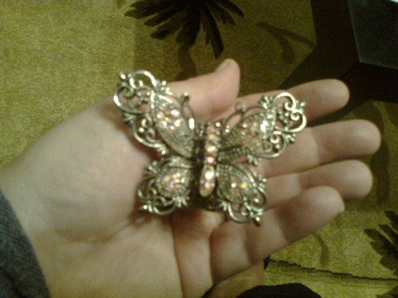 Big silver plated metall butterfly hair clip by Vintageandelegant, €17.00