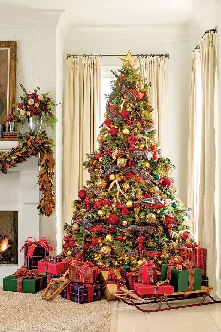 Fresh Christmas Decorating Ideas: Pile On The Plaid