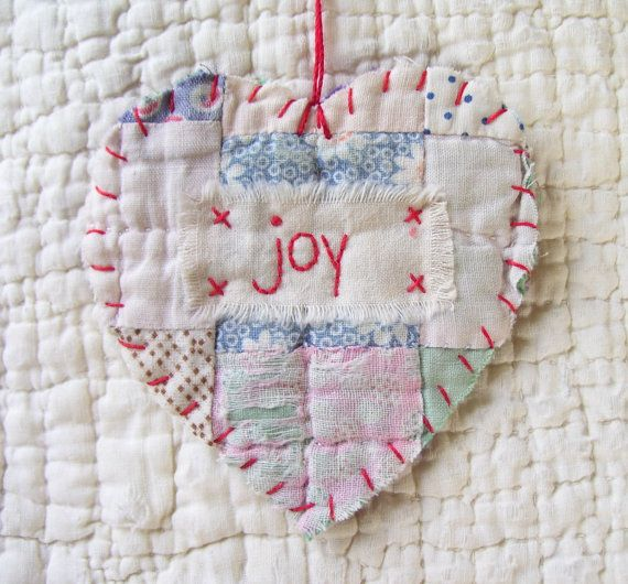Vintage Quilt Ornament-- I am so doing this.