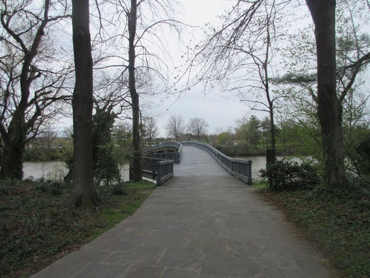 Lyndon Baines Johnson Memorial Grove on the Potomac (Washington DC) - The bridge connect to the Pentagon Parking lot from the island - All You Need to Know Before You Go (with Photos) - TripAdvisor