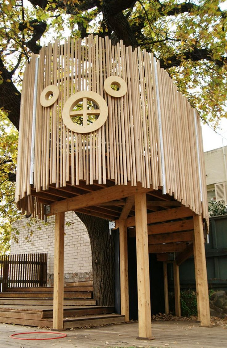 Enchanted fairy tree house here is a little faerie tree house linda - Pallet Tree House With Bamboo Railing