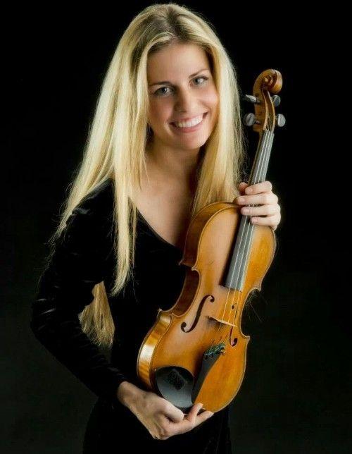 Profilul unui artist: Roxana Pavel: vioara | News & Oportunitati - ArtNetwork