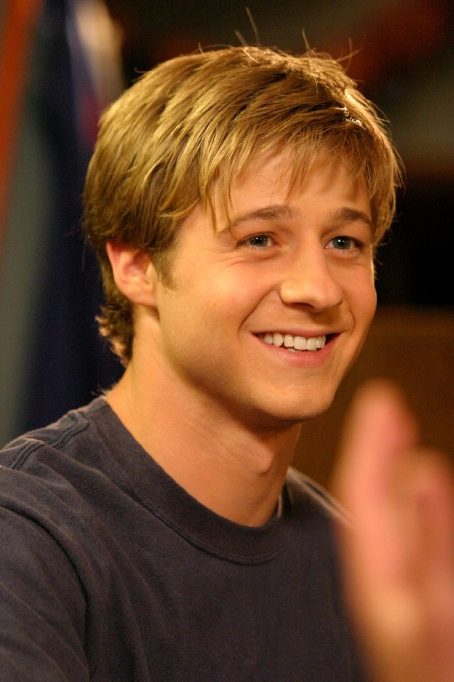 Benjamin McKenzie...ahhhh my favorite celebrity crush all through high school :) :)